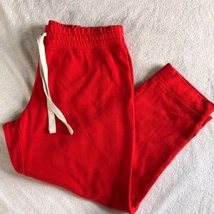 GAP cropped sweatpants.